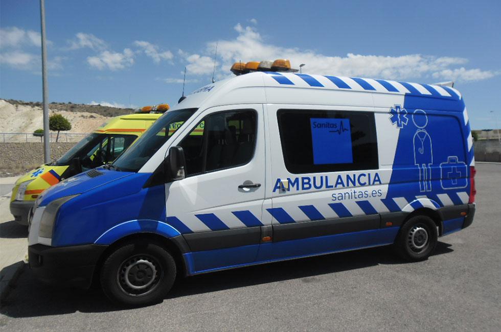 Rotulación de ambulancia de transportes sanitario
