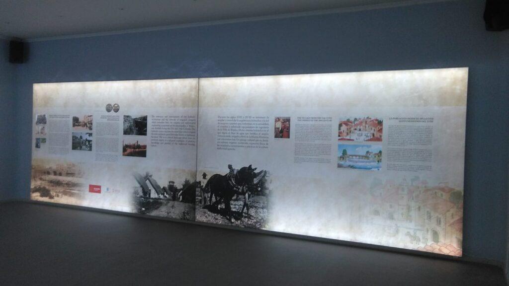 Panel retroiluminado en el museo de Rojales